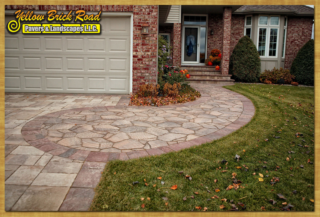 Pavers landscape minnesota plymouth patios driveways here for Landscaping rocks new plymouth